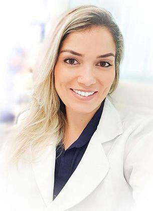 Dra Carla Nogueira